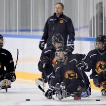 Die Nationalmannschaft im Training. Quelle: https://paraicehockey.de/2019/09/10/trainingslehrgang-in-hamburg/